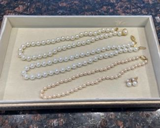 HALF OFF!  $6.00 NOW, WAS $16.00.......................Costume Jewelry (H115)