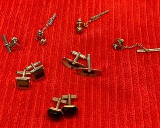HALF OFF!  $5.00 NOW, WAS $16.00..................Cuff Links (H107)