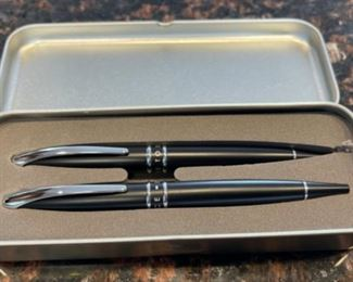 CLEARANCE !  $10.00 NOW, WAS $25.00.....................Dare to Soar Pen Set (H103)