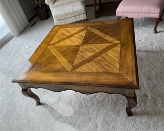 "CLEARANCE  ! $5.00 NOW, WAS $75.00................Large Square Coffee Table 41"" x 41"", 18"" tall (H368)"