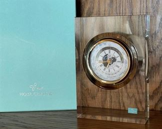 CLEARANCE !  $15.00 NOW, WAS $60.00.................Hoya Crystal World Time Clock with Box (H360)