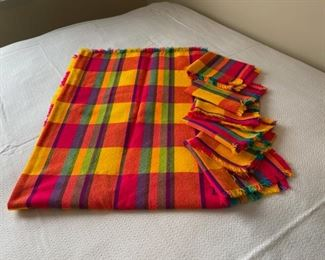 HALF OFF!  $6.00 NOW, WAS $12.00.....................Tablecloth and Napkins (H333)