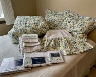 HALF OFF!  $25.00 NOW, WAS $80.00.....................Queen Comforter, 2 Pillows and Shams, Sheets and New Sheets, Bedskirt and Matching Window Valance (H324)
