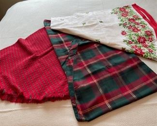 CLEARANCE !  $3.00 NOW, WAS $12.00.....................Tablecloths (H306)