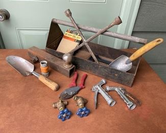 REDUCED!  $9.00 NOW, WAS $12.00..................Caddy and Garden Tools (H432)