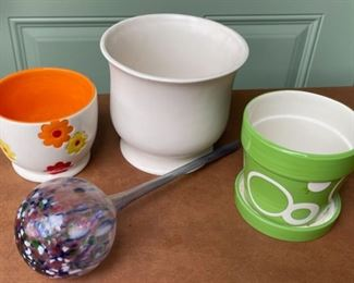 $6.00..............Flower Pots and more (H427)