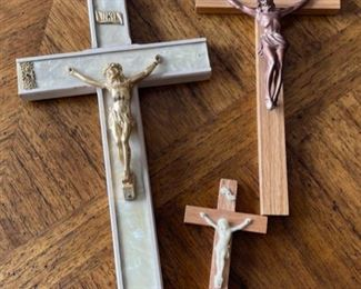 REDUCED!  $9.00 NOW, WAS $12.00..................3 Crucifixes (H387)