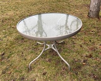 """CLEARANCE !  $5.00 NOW, WAS $20.00..................Patio Table 36"""" diameter (HH2)"""