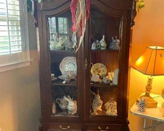 Beautiful Carrio Cabinet