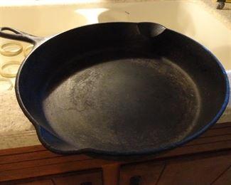"""Vintage 10"""" Griswold Cast Iron Pan"""