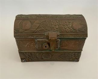 Lidded Copper Petite Trunk w/Fruit & Flower Design.  CR 10.  Available ONLINE ONLY @ www.scavengersparadise.com                                              Please read all Terms & Conditions before purchasing.