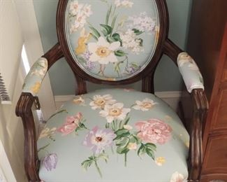 Like New Antique Chair!!