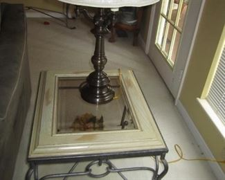 PAIR OF END TABLE AND LAMP