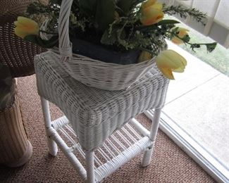WICKER STAND AND FLORAL