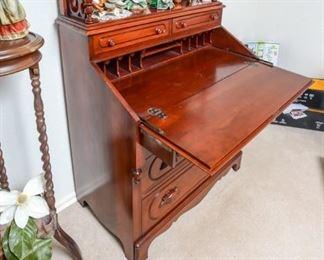 Davis Company Lillian Russell desk