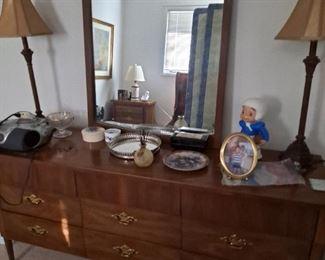 Mid Century Modern Dresser w/mirror