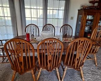 Dinning Table w/8 Windsor Chairs