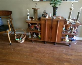 HAND MADE ENTRY TABLE, STATUES, TROPHIES