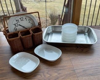 REDUCED!  $4.50 NOW, WAS $6.00.................Clock and Kitchenware (S074)