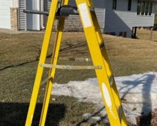REDUCED!  $37.50 NOW, WAS $50.00................Ladder (S042)