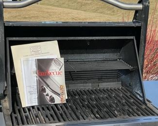 Inside View: Vermont Castings Signature Series Gasline Grill (S027)
