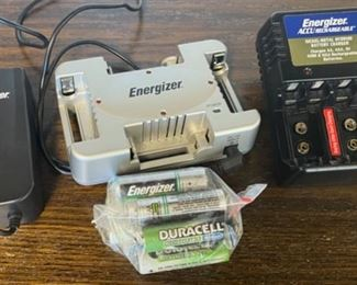 CLEARANCE !  $2.00 NOW, WAS $8.00..................Energizer Battery Chargers (S169)