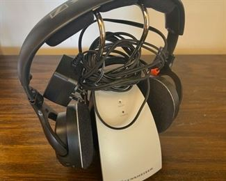 HALF OFF!  $20.00 NOW, WAS $40.00..........................Sennheiser Headphones  (S166)