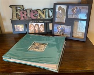 CLEARANCE !  $2.00 NOW, WAS $6.00..................Frames and Scrapbook (S162)