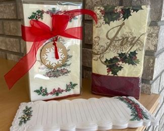 HALF OFF!  $3.00 NOW, WAS $6.00................Napkins and Stationary (S148)
