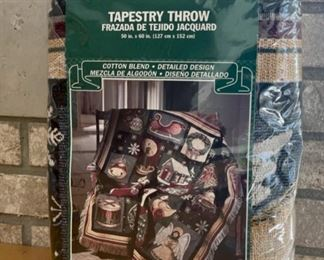 HALF OFF!  $4.00 NOW, WAS $8.00..................Tapestry Throw Blanket Holiday (S147)