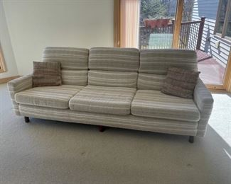 CLEARANCE !  $15.00 NOW, WAS $75.00.....................Sofa 7' long (S141)