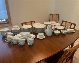 CLEARANCE !  $30.00 NOW, WAS $150.00.....................Noritake Bellemead China Set Service for 12 plus (S138)
