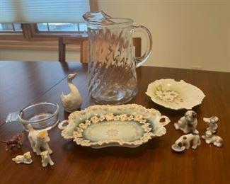HALF OFF!  $7.00 NOW, WAS $14.00...................Vintage Glassware and Mini Animals (S132)
