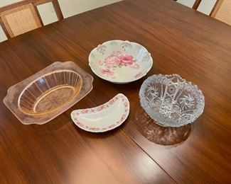 CLEARANCE !  $2.00 NOW, WAS $8.00...................Vintage Glassware (S130)