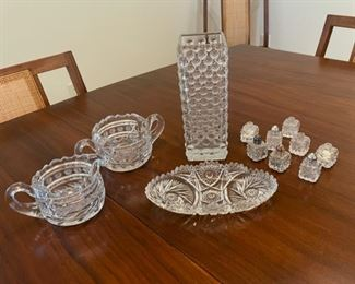 """HALF OFF!  $6.00 NOW, WAS $12.00...................Glassware, Vase 8 1/4"""" tall (S131)"""