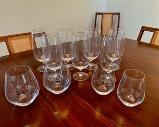 CLEARANCE!    $5.00 NOW, WAS $20.00.....................11 Glasses (S121)