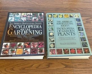 REDUCED!  $9.00 NOW, WAS $12.00....................The American Horticultural Society Gardening Books (S095)