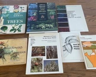 CLEARANCE !  $2.00 NOW, WAS $8.00.......................Gardening Books (S093)