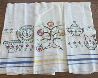 HALF OFF!  $6.00 NOW, WAS $12.00...............Embroidered Towels (S086)