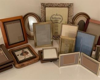 HALF OFF!  $3.00 NOW, WAS $6.00..............Frames(S289)