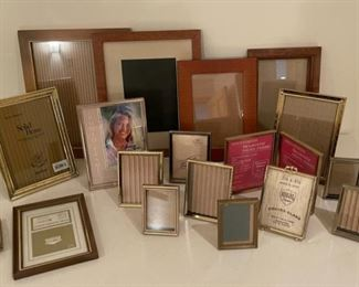 CLEARANCE !  $2.00 NOW, WAS $6.00...............Frames (S288)