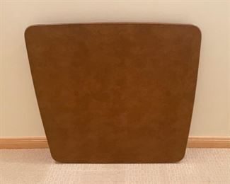 HALF OFF!  $10.00 NOW, WAS $20.00.................Card Table (S277)