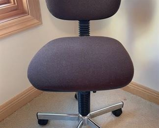 $10.00...............Office Chair (S262)