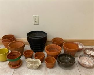 $14.00.................Terracotta Pots (S240)