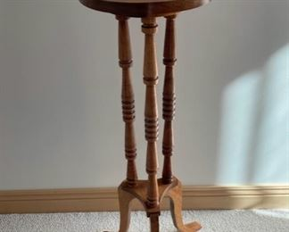 """$16.00................Plant Stand 31"""" tall (S411)"""