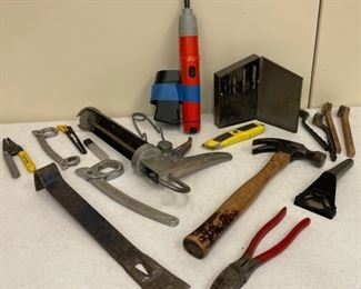HALF OFF!  $5.00 NOW, WAS $10.00................Small Crow Bar, Hammer and more assorted tools (S402)