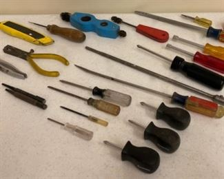 HALF OFF!  $5.00 NOW, WAS $10.00....................Screwdrivers and more (S397)