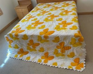 """$45.00..................Hand Quilted Bedspread 101"""" x 66"""" (S302)"""