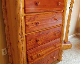 7 Piece King Size Red Cedar Log Bedroom Suite (Dresser)