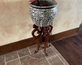 Asian style vase and stand